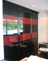 Sliding doors Constellation lacquered glass Red and Black